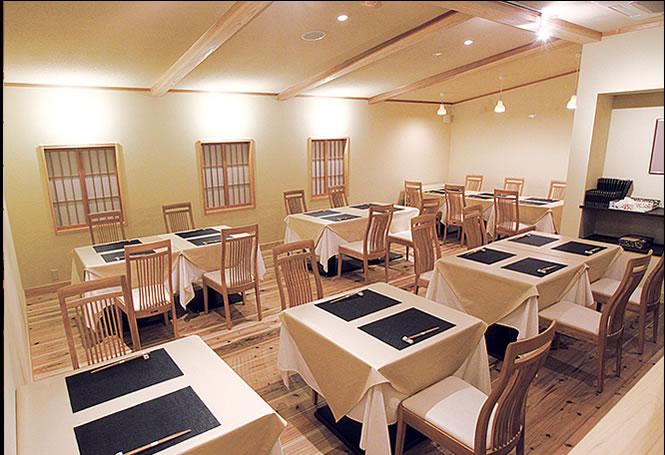 日本料理ほとり内観